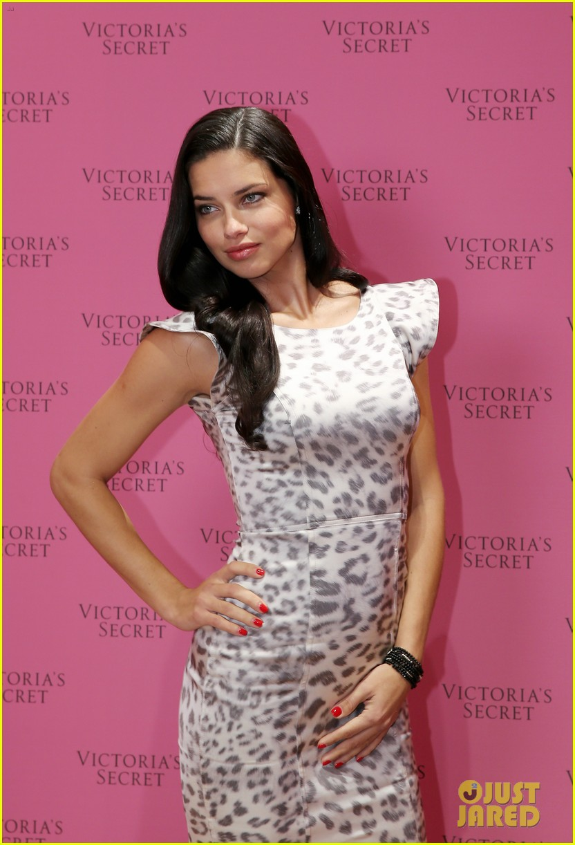 adriana lima launches victorias secret fantasy bra in dubai 123012879