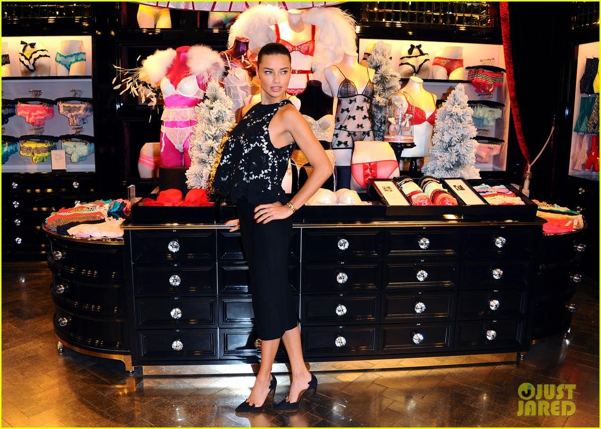 adriana lima victorias secret bond street store photo call 133010602