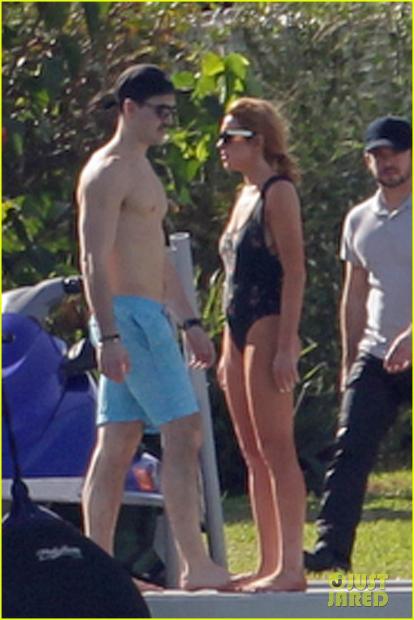 lindsay lohan chills out in her bathing suit in miami 10
