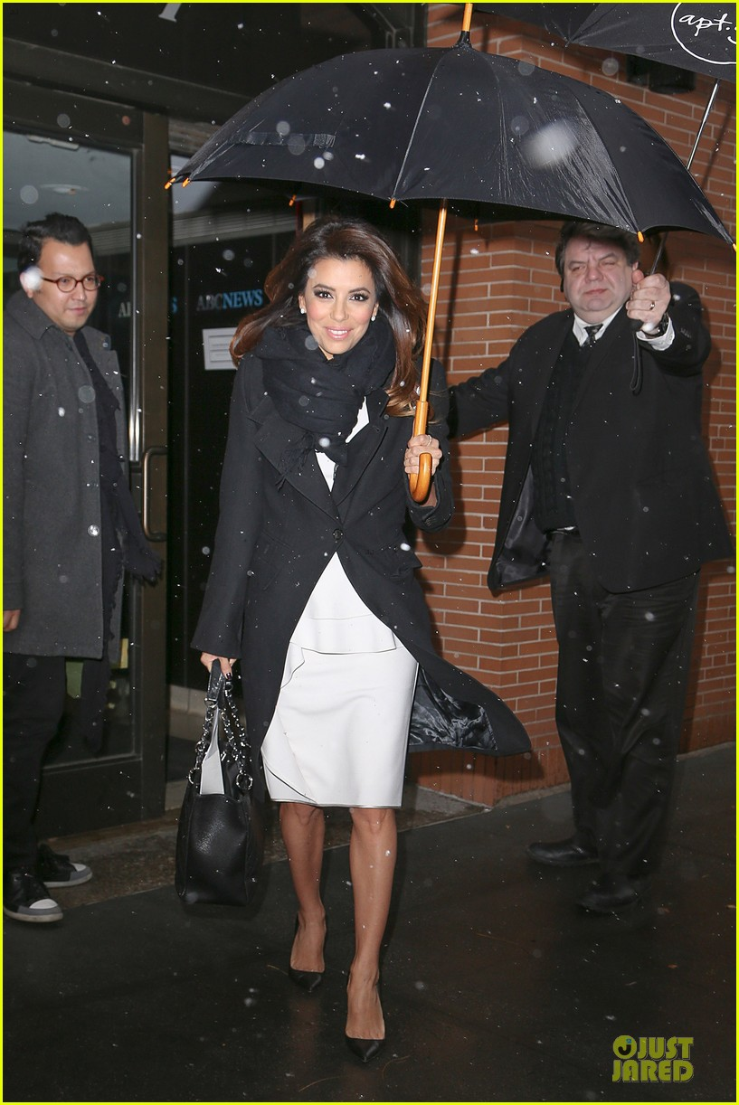 eva longoria helps ends world hunger with howard buffett 013010217