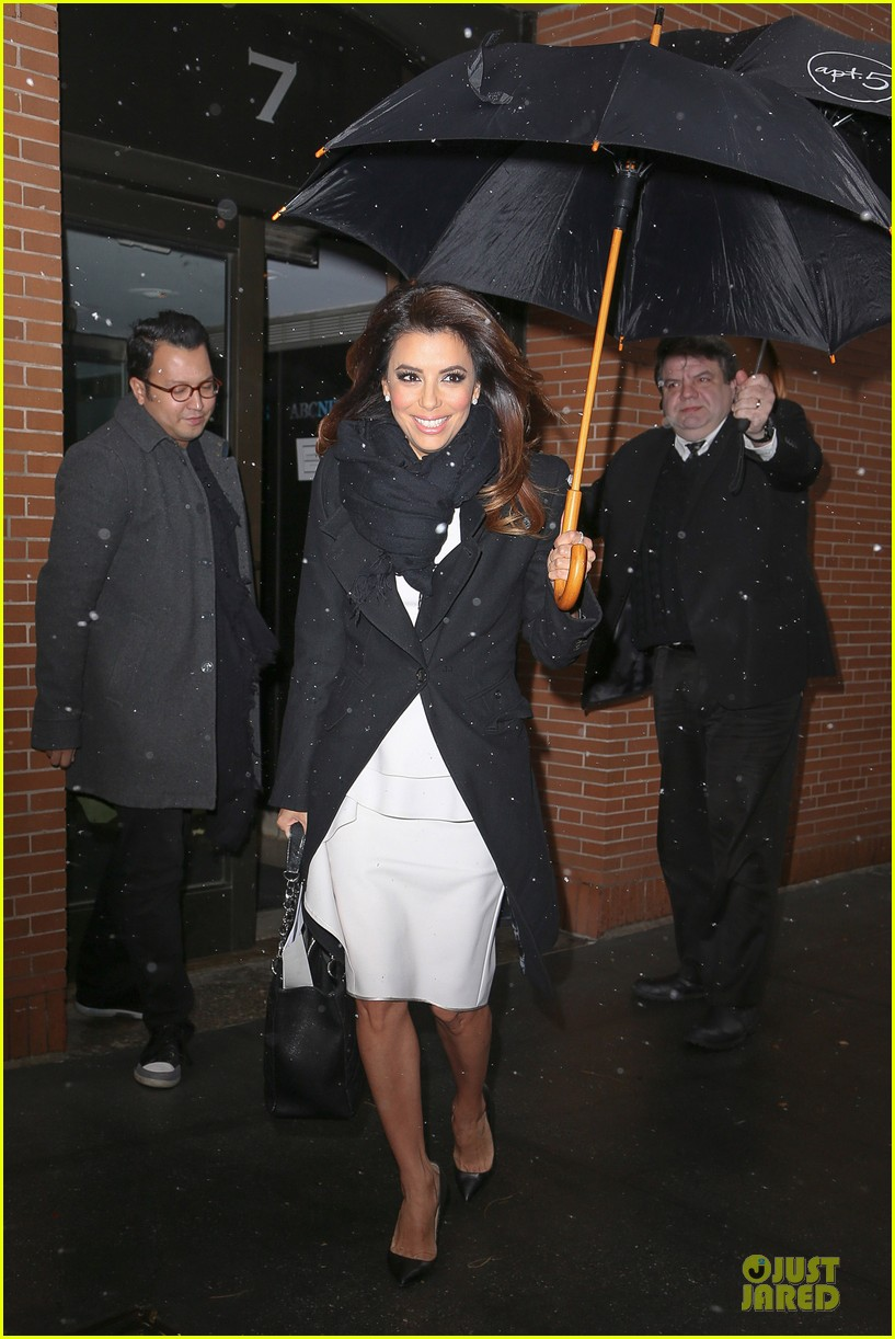 eva longoria helps ends world hunger with howard buffett 063010222