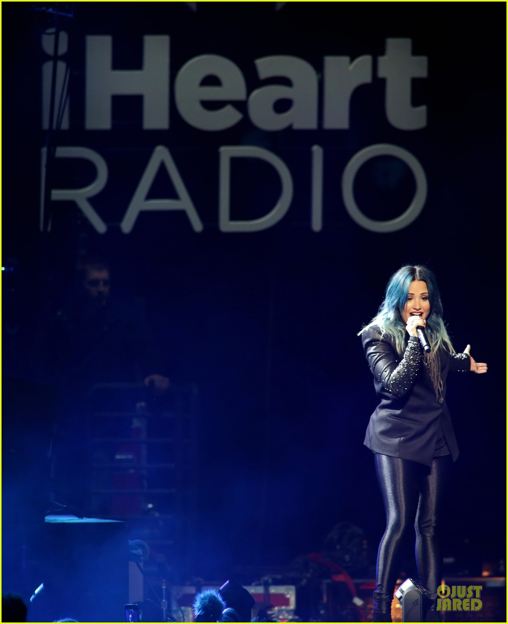 demi lovato performs at y100 jingle ball 2013 173015674