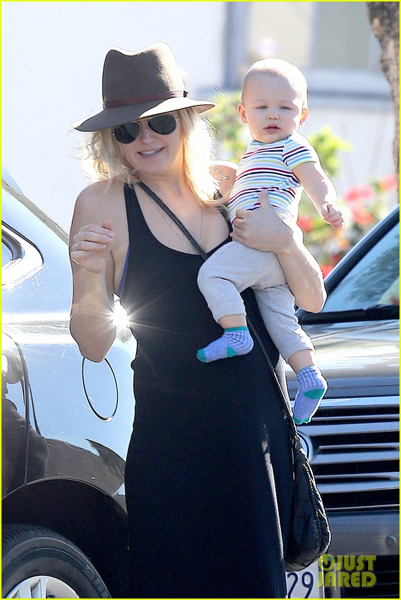 malin akerman spends quality time with mom sebastian 023017962