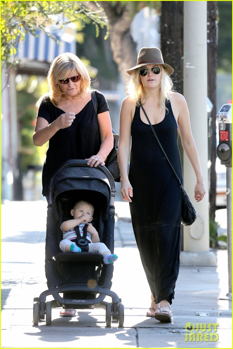 malin akerman spends quality time with mom sebastian 123017972