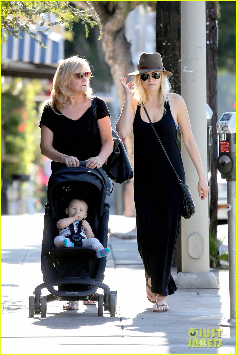 malin akerman spends quality time with mom sebastian 133017973