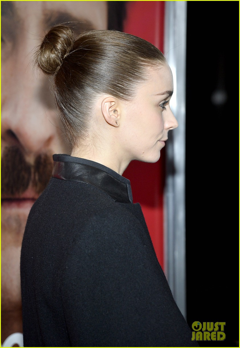 rooney mara her premiere with sister kate mara 113011104