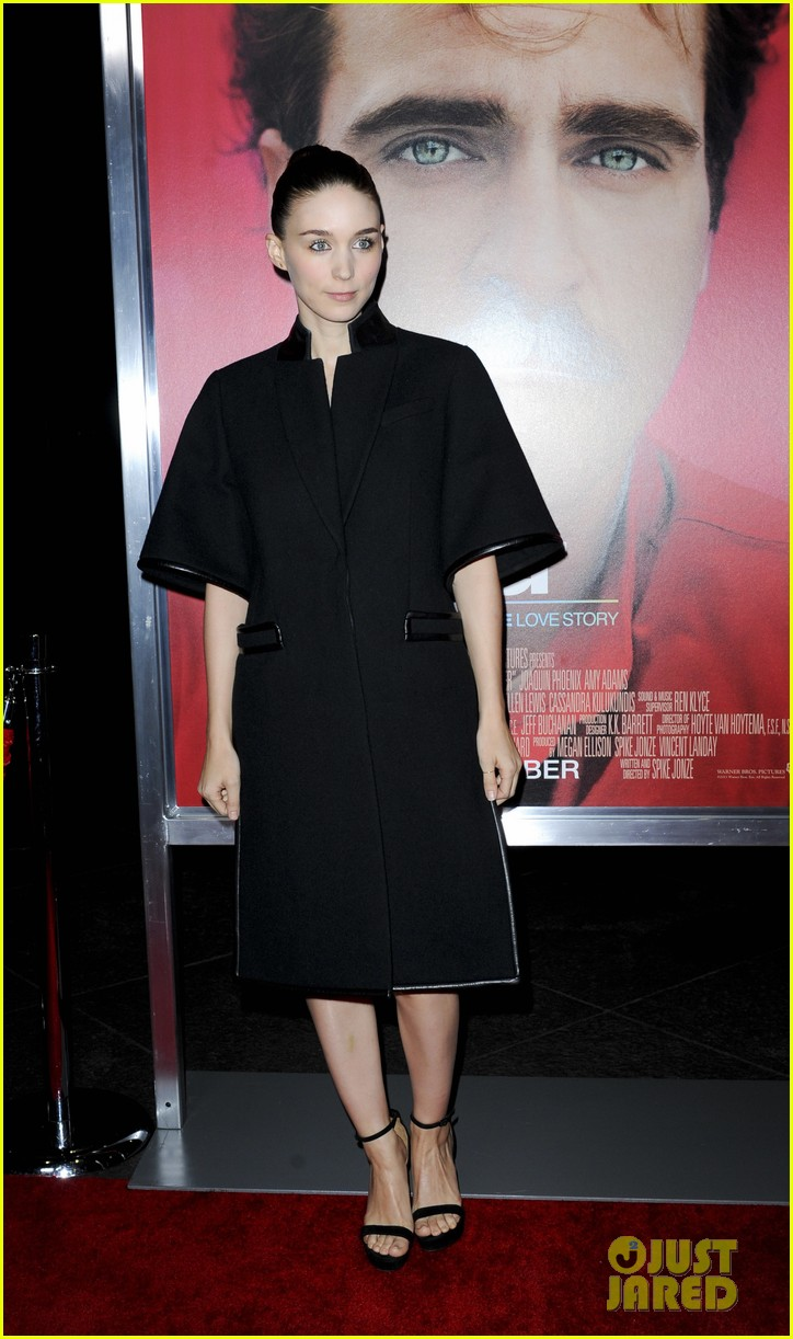 rooney mara her premiere with sister kate mara 203011113