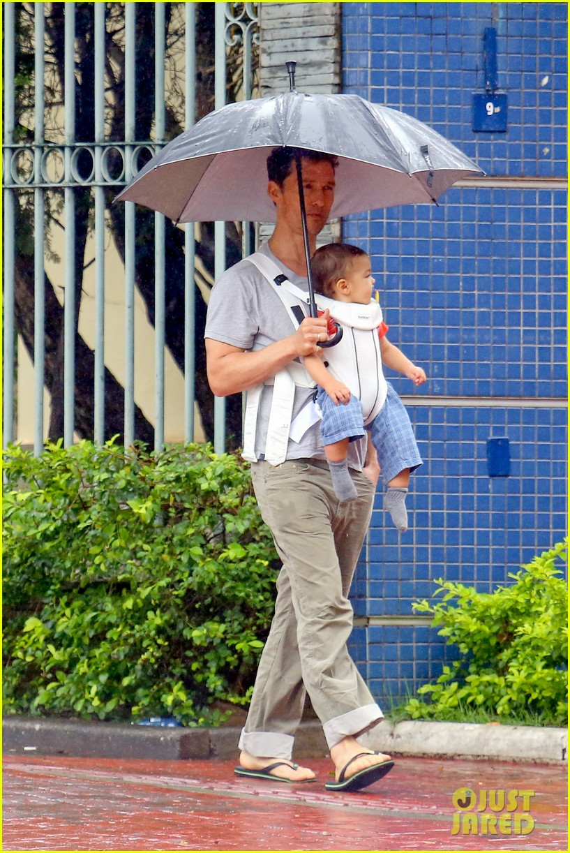 matthew mcconaughey rainy post christmas stroll with livingston 183017836