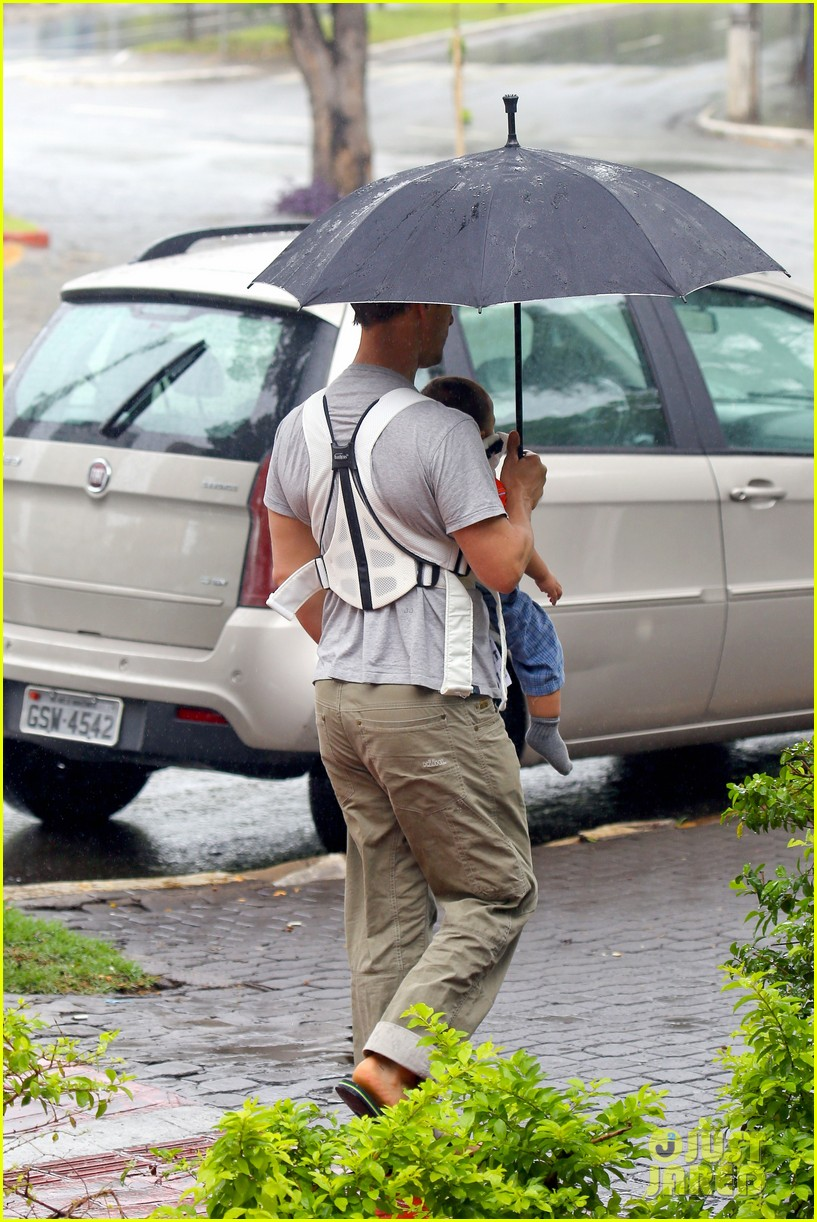 matthew mcconaughey rainy post christmas stroll with livingston 193017837