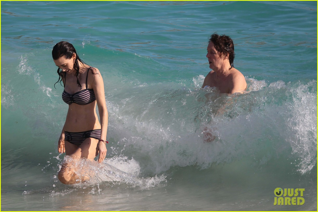 paul mccartney shirtless vacation with wife nancy shevell 023018493