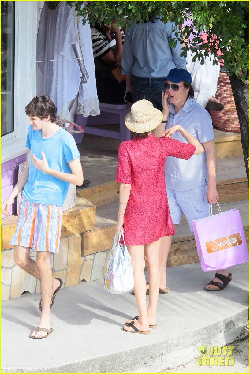 paul mccartney shirtless vacation with wife nancy shevell 033018494