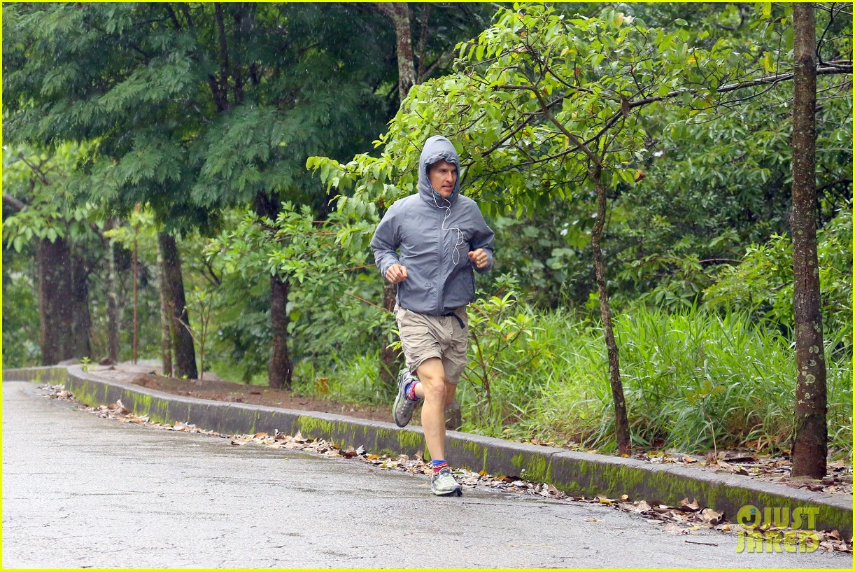 matthew mcconaughey braves the rain for a run in brazil 123018368