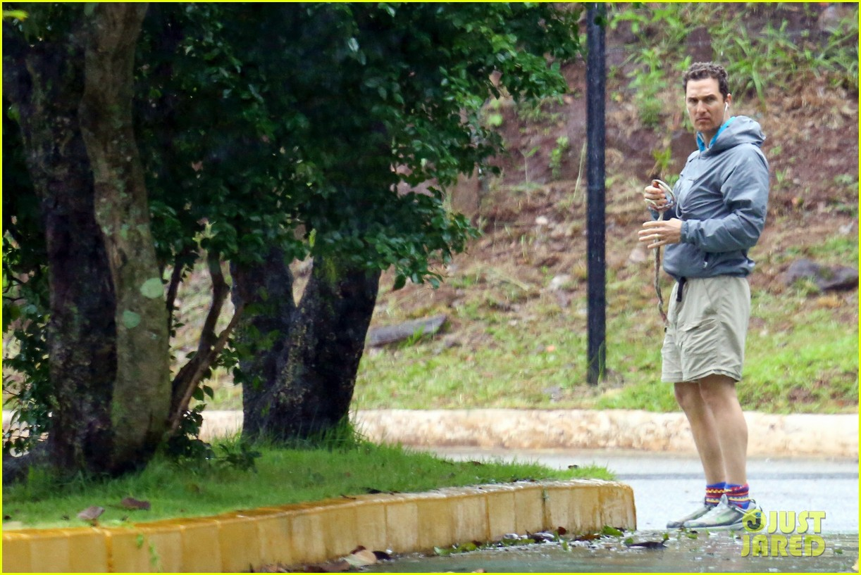 matthew mcconaughey braves the rain for a run in brazil 153018371