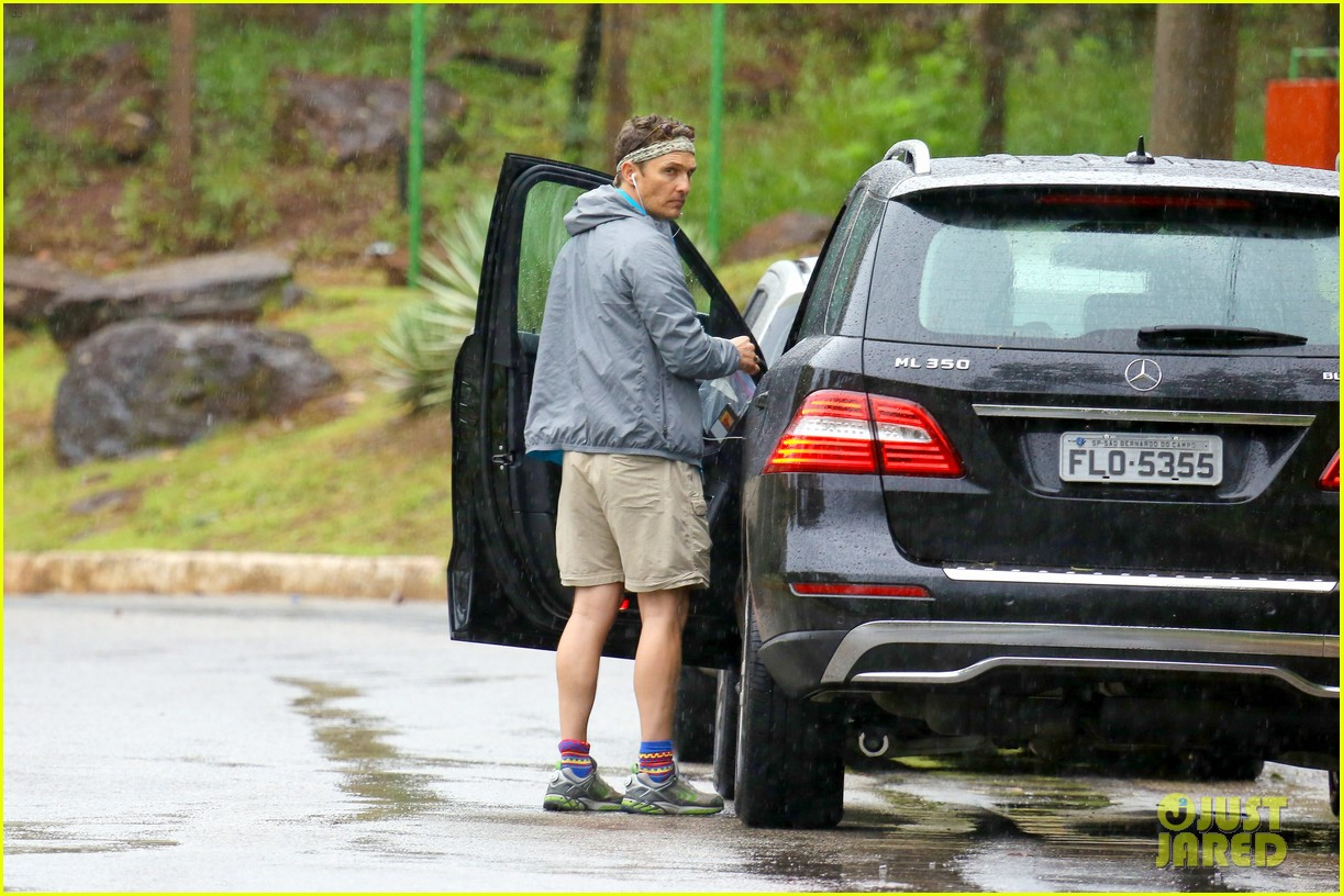 matthew mcconaughey braves the rain for a run in brazil 203018376