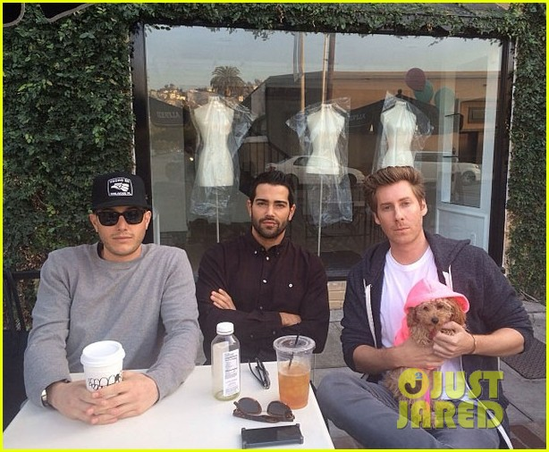 jesse metcalfe cara santana lunch with the jew crew 03
