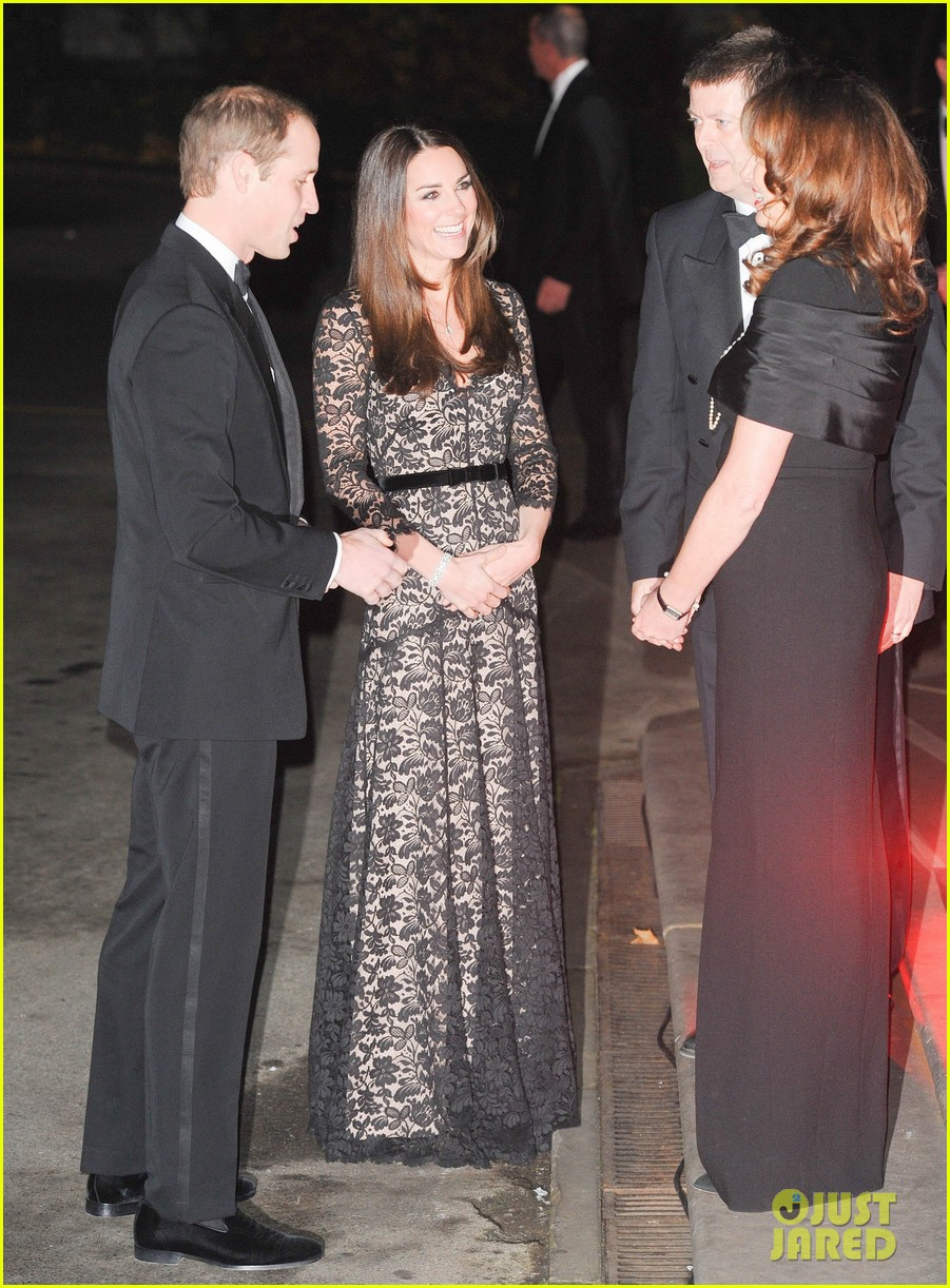 kate middleton prince william glam up for 3d movie premiere 143010018