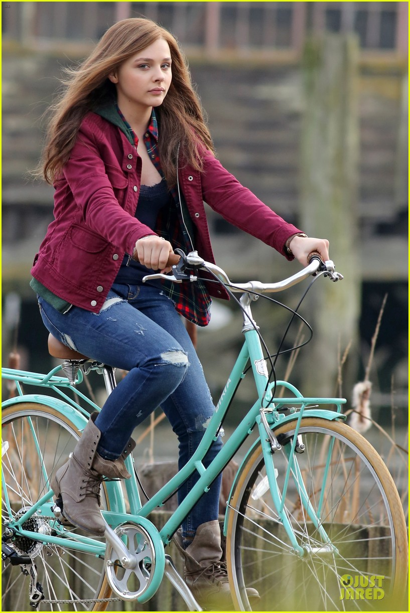 chloe moretz after thanksgiving bike rider for if i stay 10