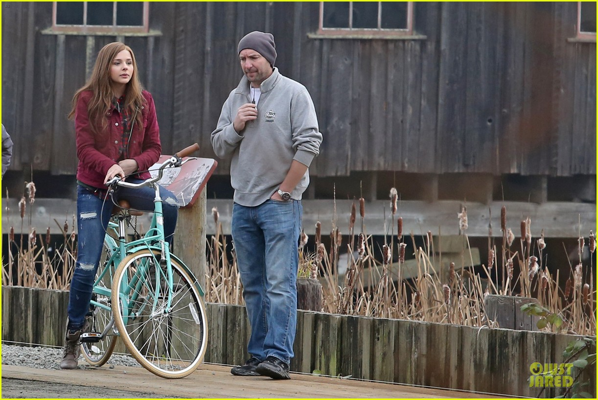 chloe moretz after thanksgiving bike rider for if i stay 133002766