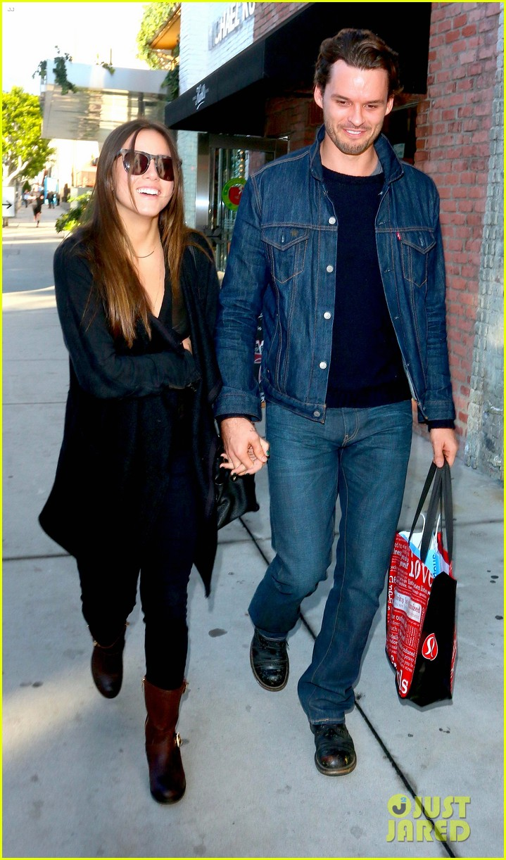 Austin Nichols with beautiful, Girlfriend Chloe Bennet
