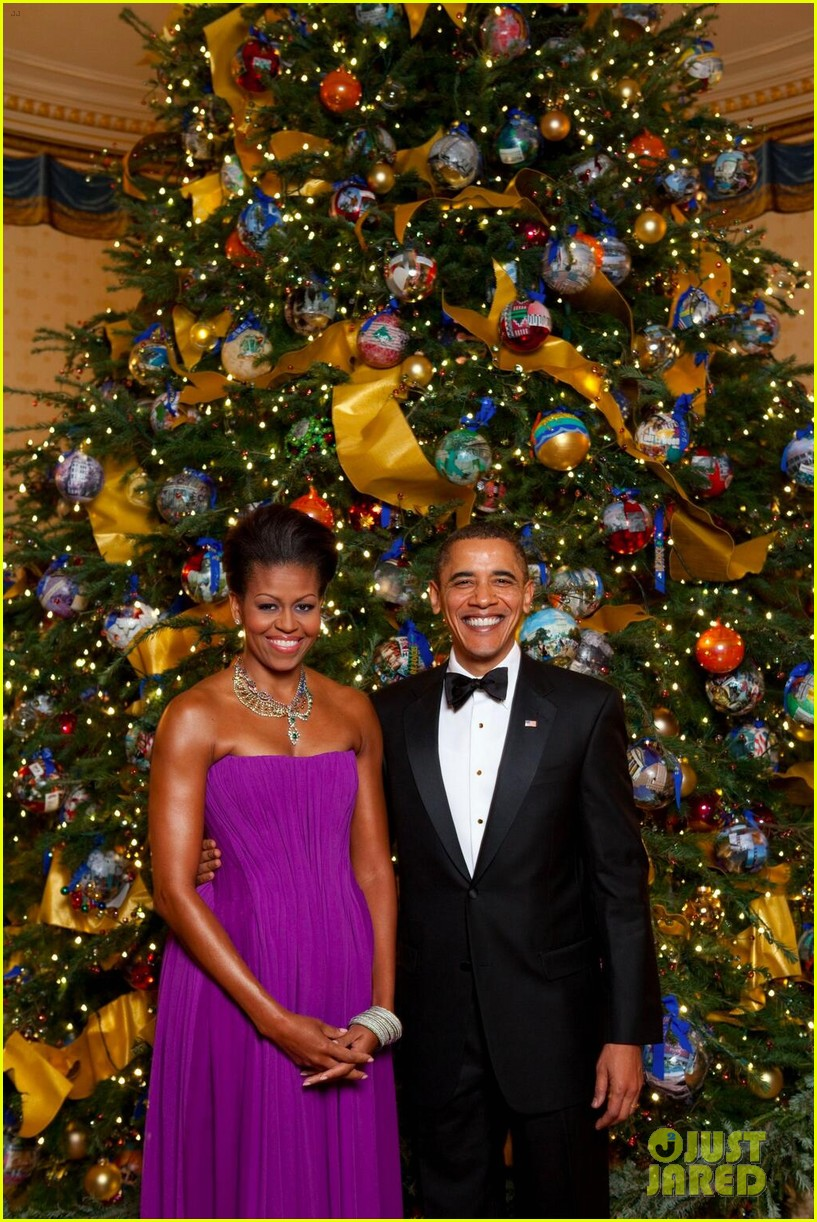 president michelle obama share christmas photos 033017646