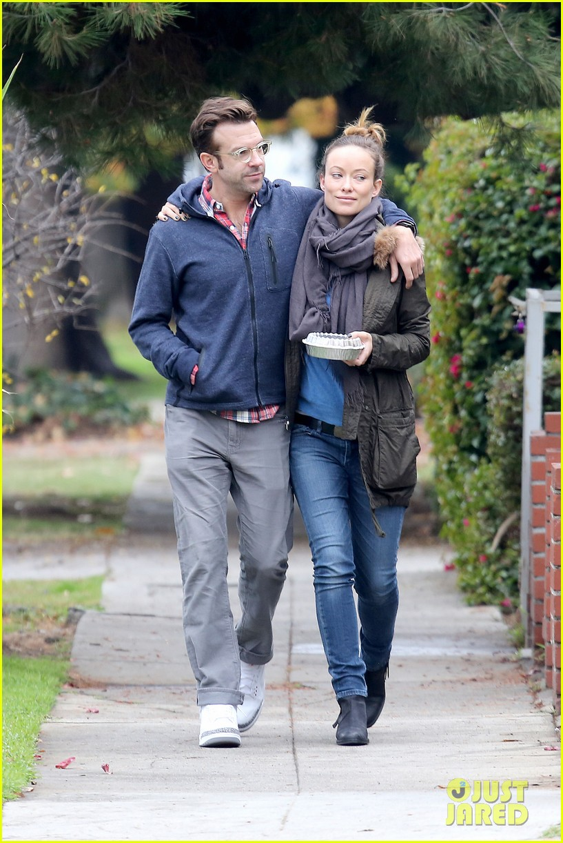 olivia wilde jason sudeikis arm in arm after lunch date 023007604