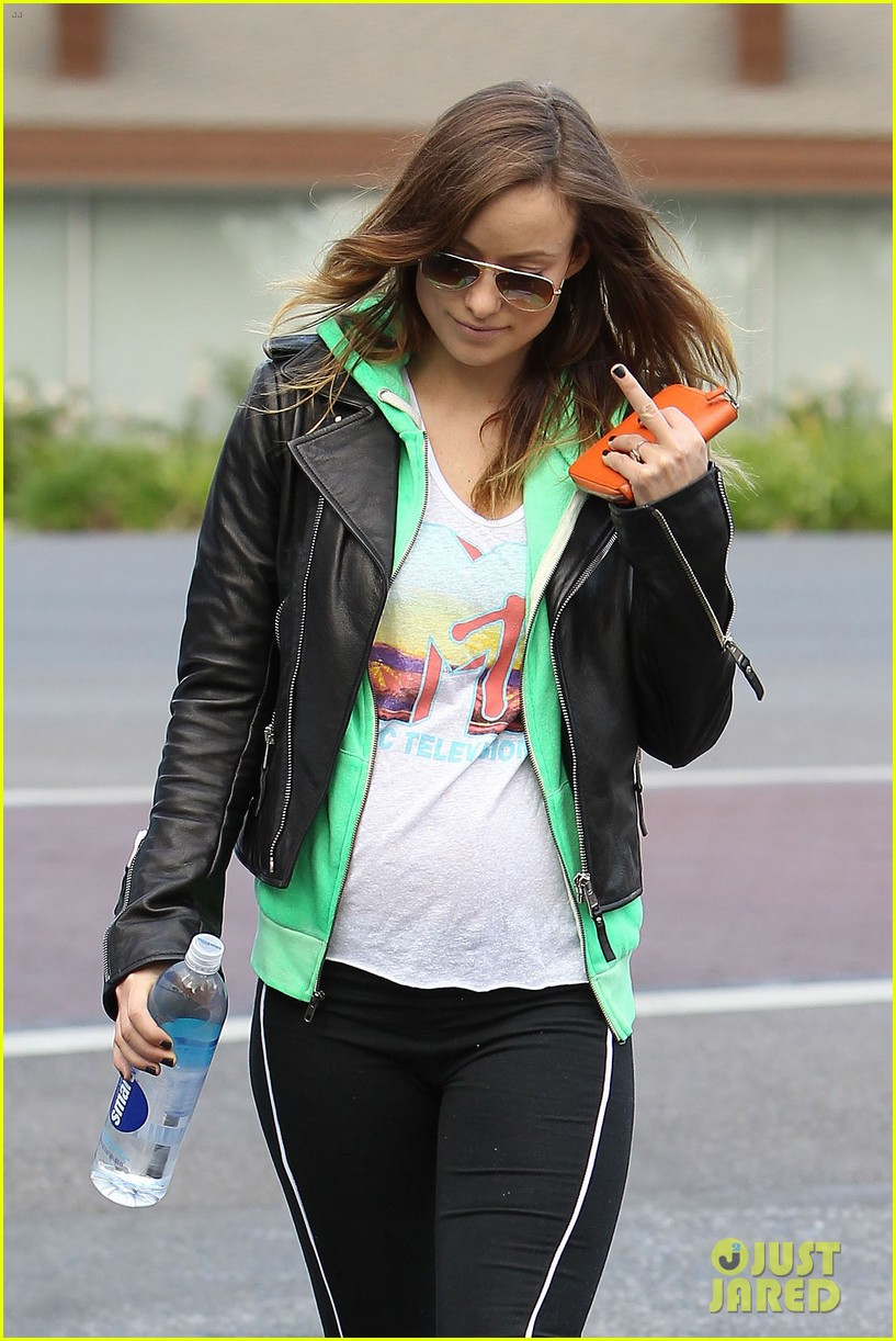 olivia wilde jason sudeikis arm in arm after lunch date 083007610