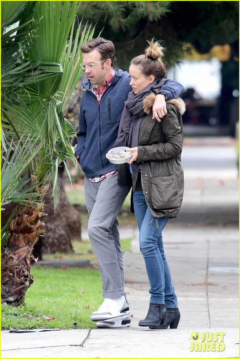 olivia wilde jason sudeikis arm in arm after lunch date 233007625