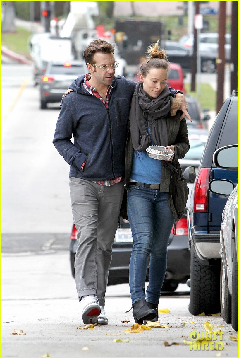 olivia wilde jason sudeikis arm in arm after lunch date 253007627