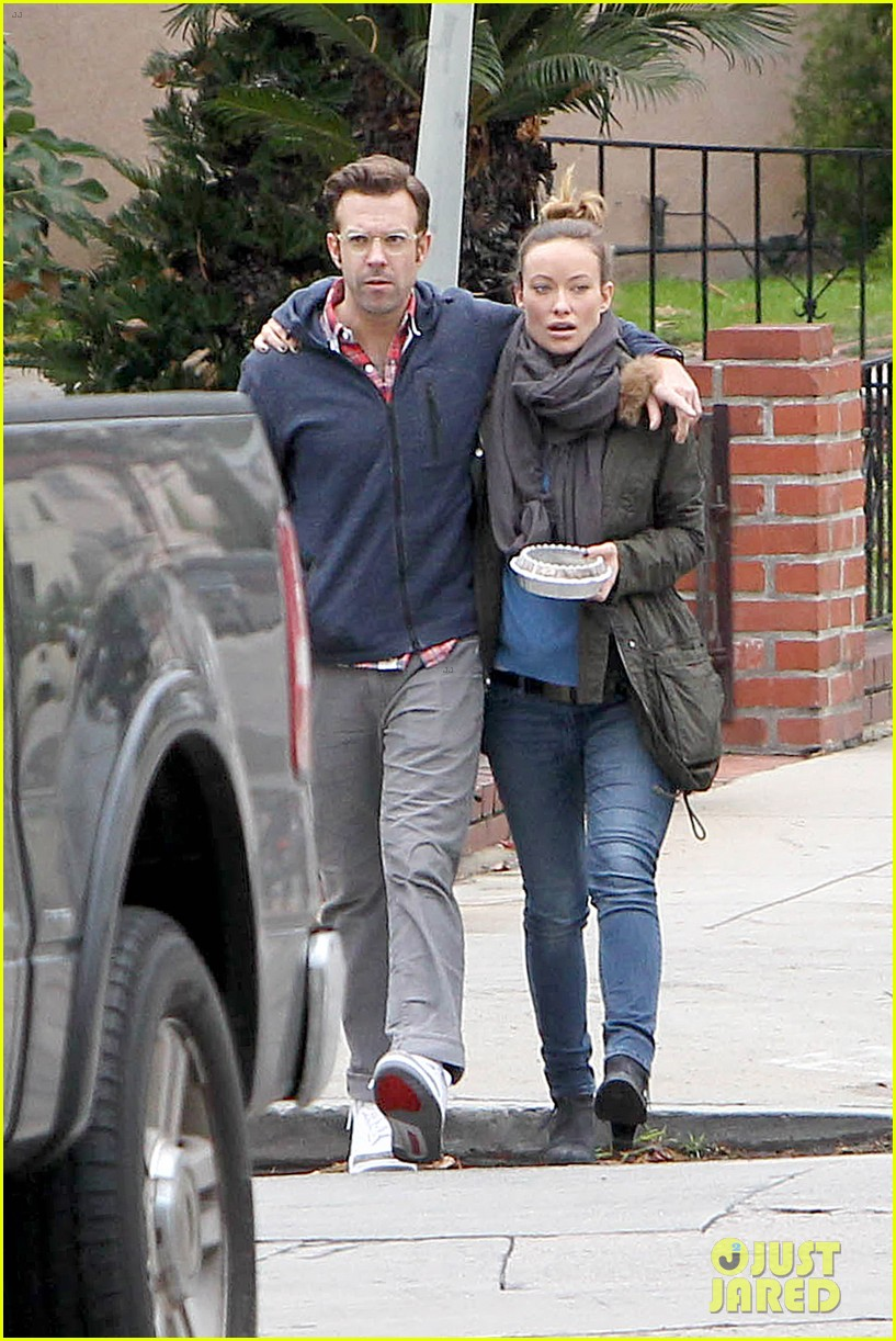 olivia wilde jason sudeikis arm in arm after lunch date 313007633