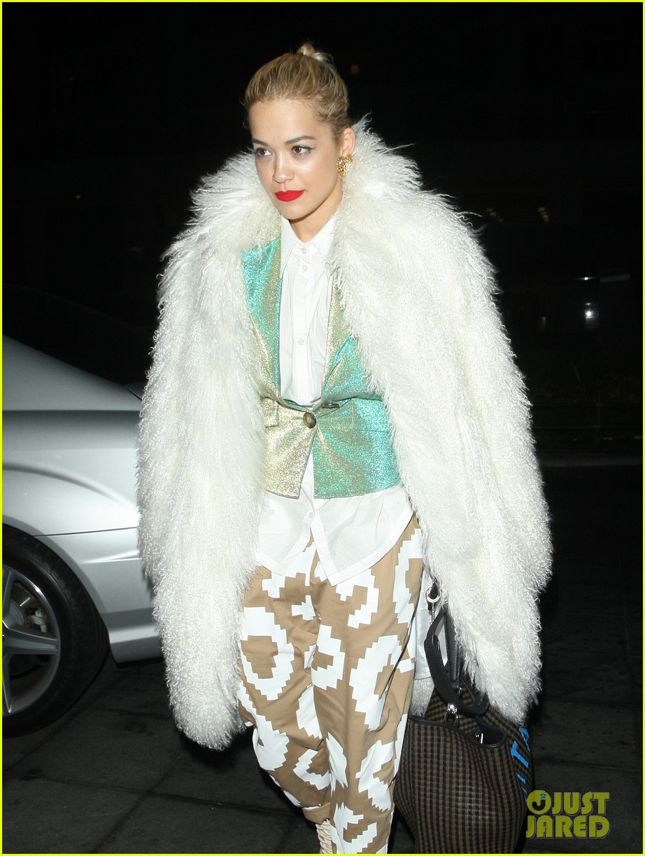 rita ora enjoys dinner out while home in london 023010691