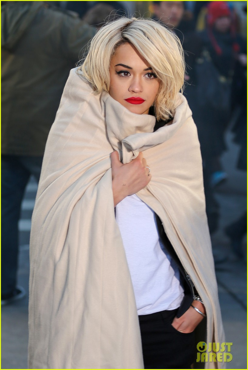 rita ora dkny fashion shoot in nyc 043013557
