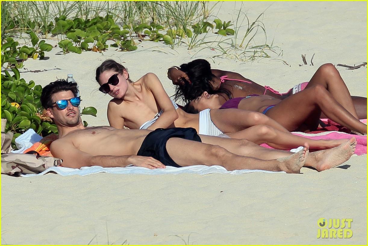 olivia palermo johannes huebl st barts beach vacation 023019823