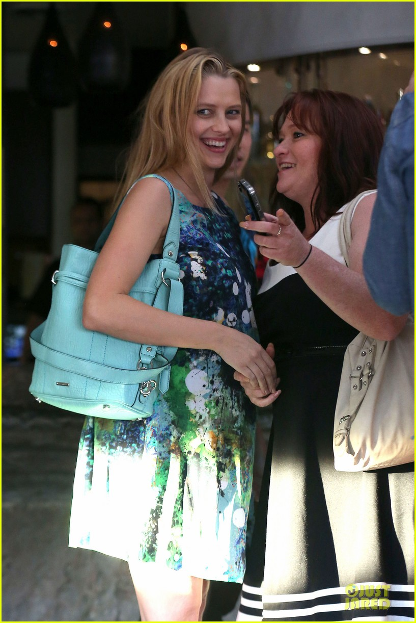 teresa palmer invites jaime king to baby shower 02