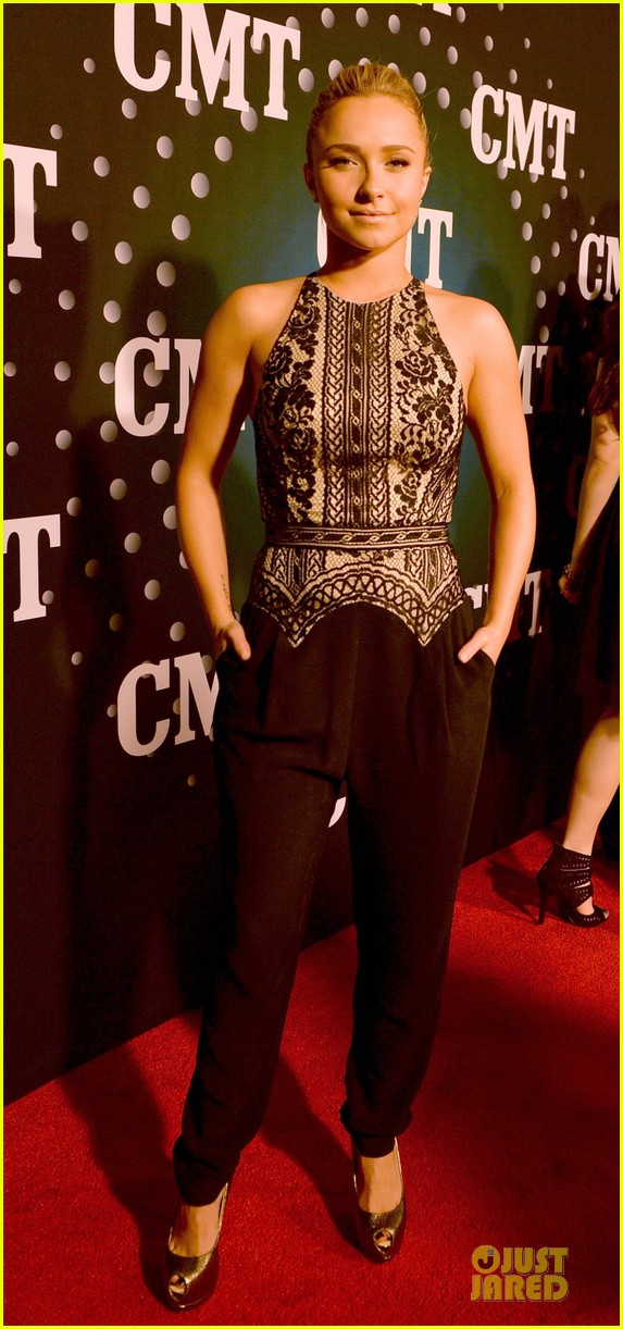 hayden panettiere cassadee pope cmt artists of the year 2013 153004671