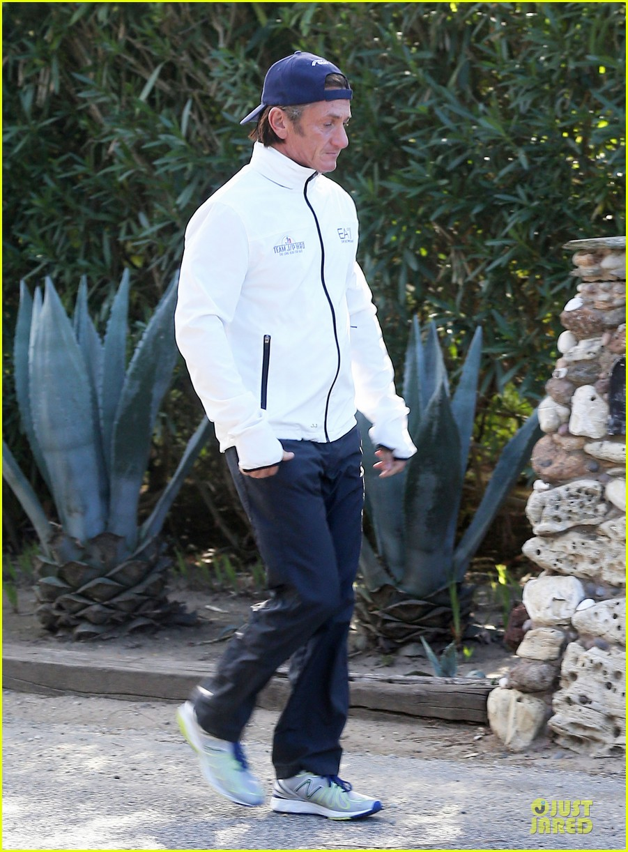 sean penn joins instagram during haiti trip 15