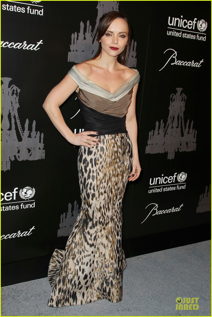katy perry christina ricci unicef snowflake ball 2013 113004501