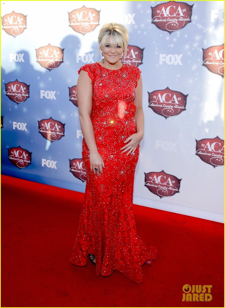 kellie pickler lauren alaina acas 2013 red carpet 013009212