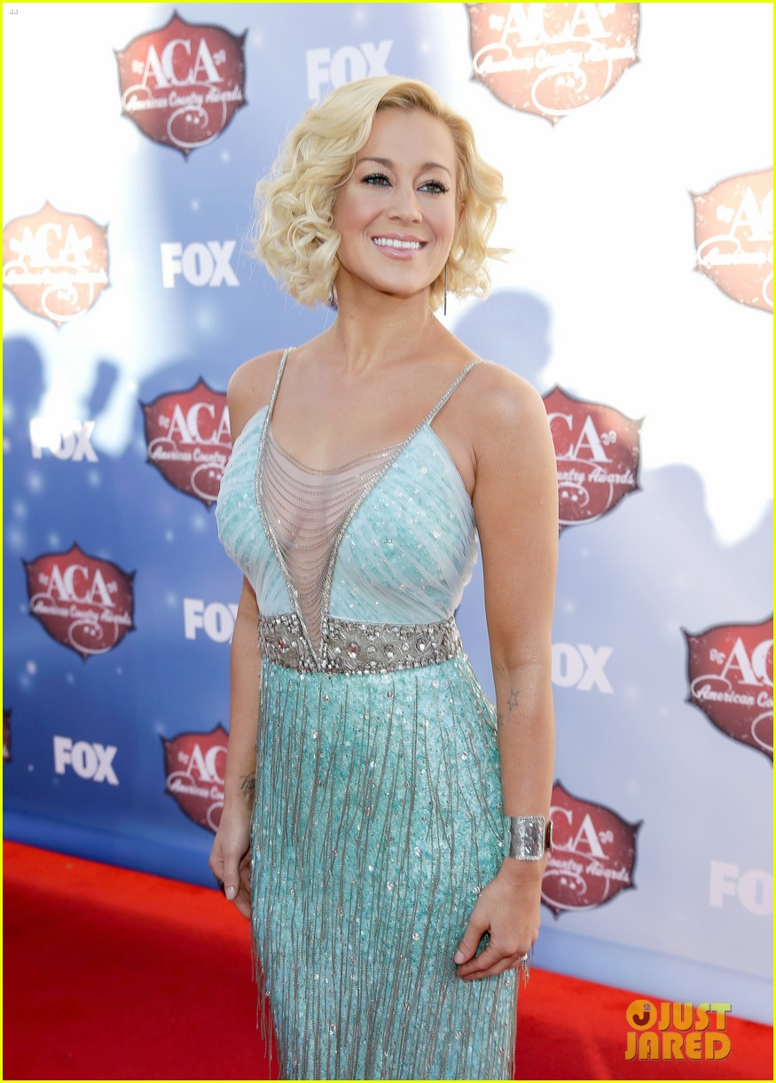 kellie pickler lauren alaina acas 2013 red carpet 13