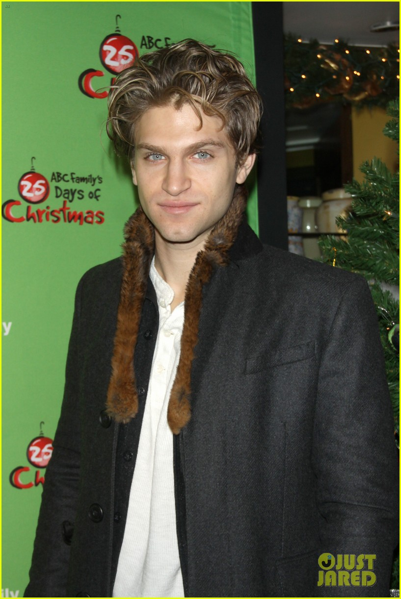 sasha pieterse keegan allen 25 days of christmas winter wonderland 093008244