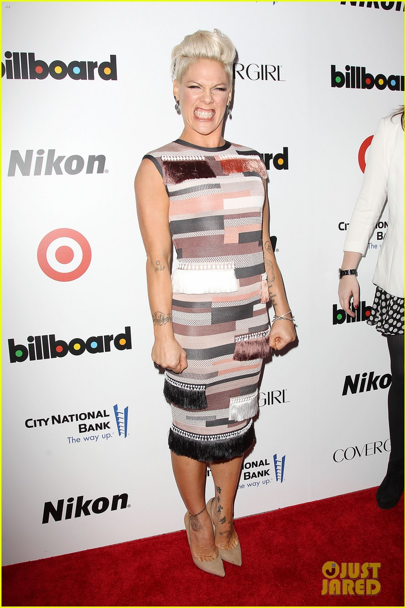 pink billboard women in music event with carey hart 083009183