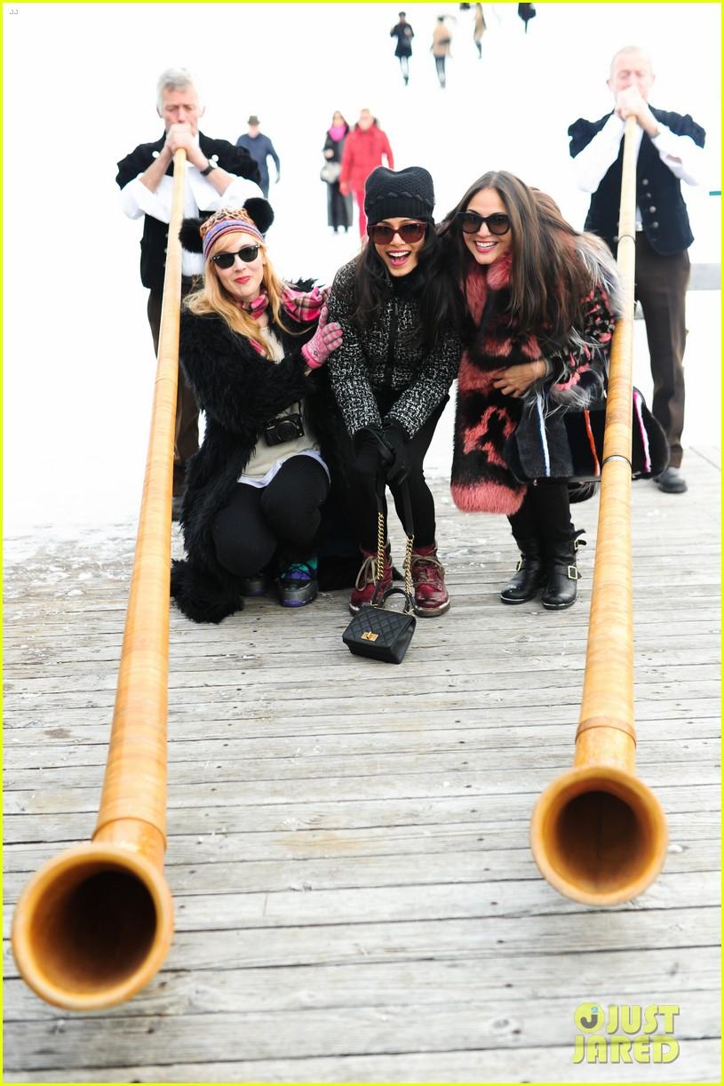 freida pinto asmallworld winter weekend in switzerland 373013103