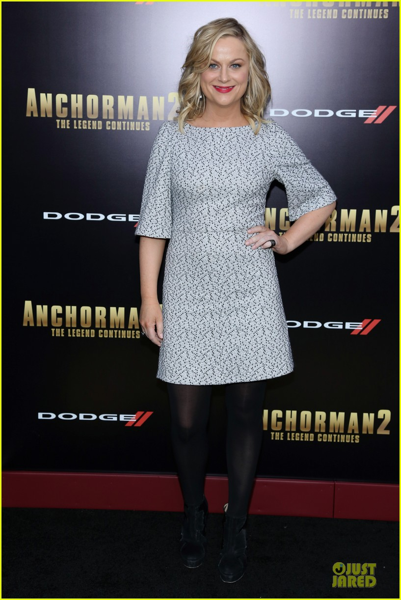 amy poehler tina fey anchorman 2 nyc premiere 013012560