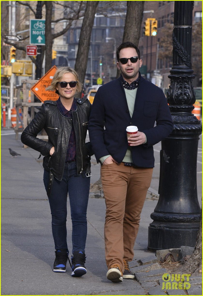 amy poehler strolls with nick kroll before gotham awards 053004151