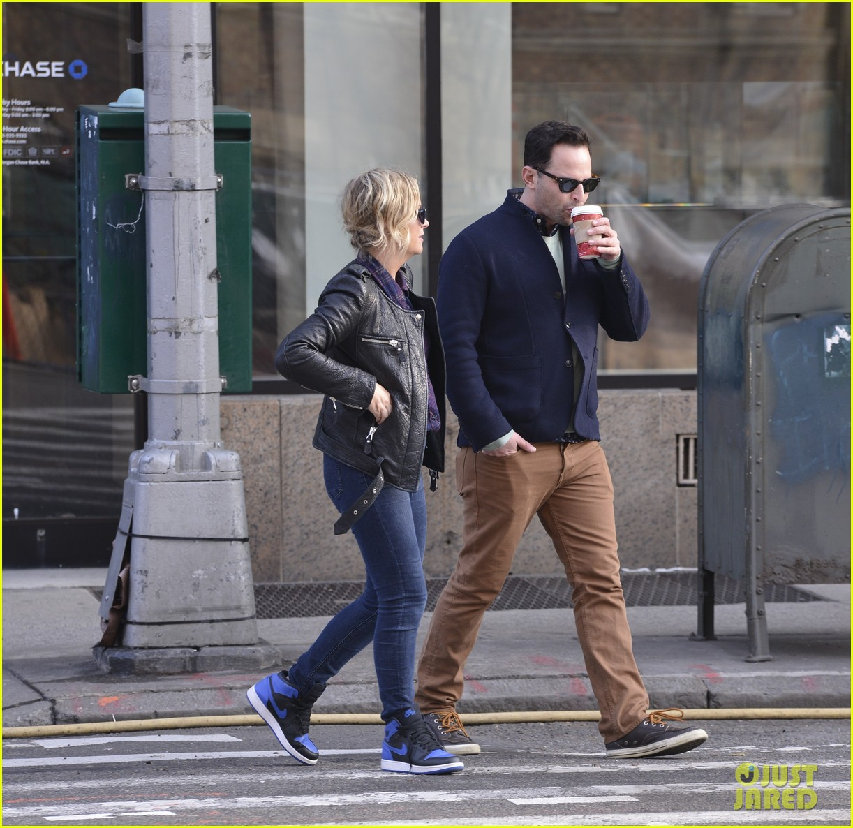 amy poehler strolls with nick kroll before gotham awards 073004153