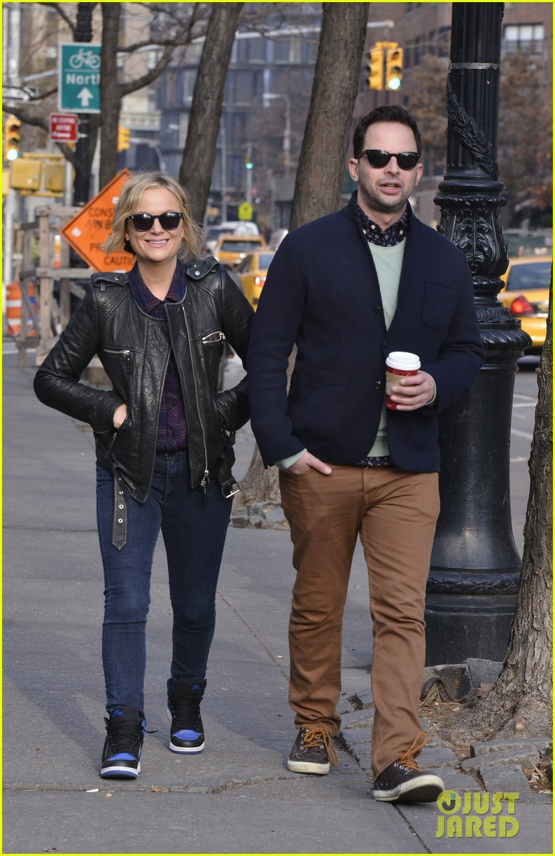 amy poehler strolls with nick kroll before gotham awards 103004156