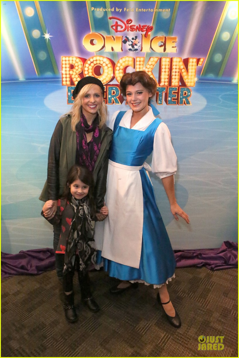 ellen pompeo chris ivery disney on ice with stella 033012111