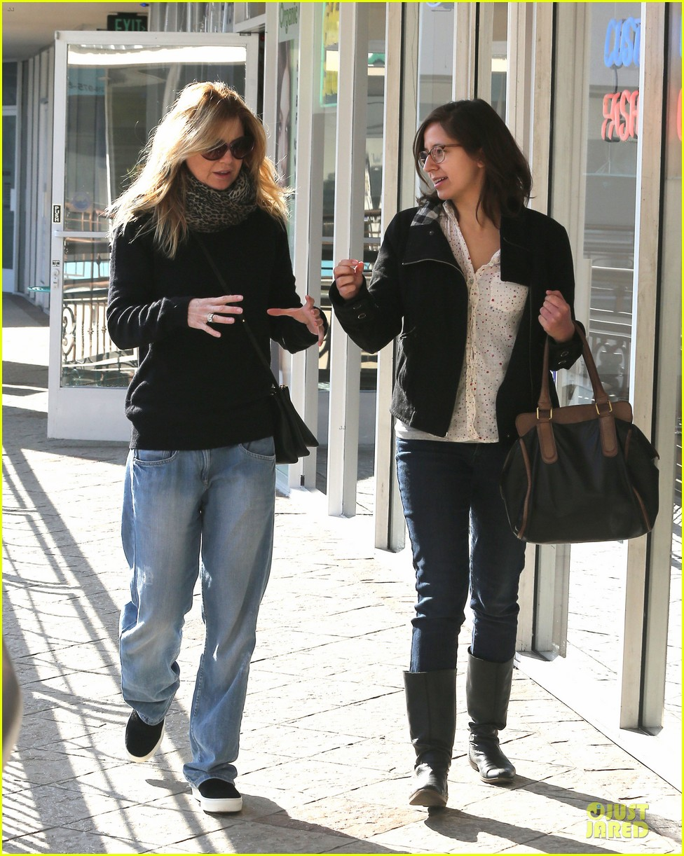 ellen pompeo chris ivery disney on ice with stella 133012121