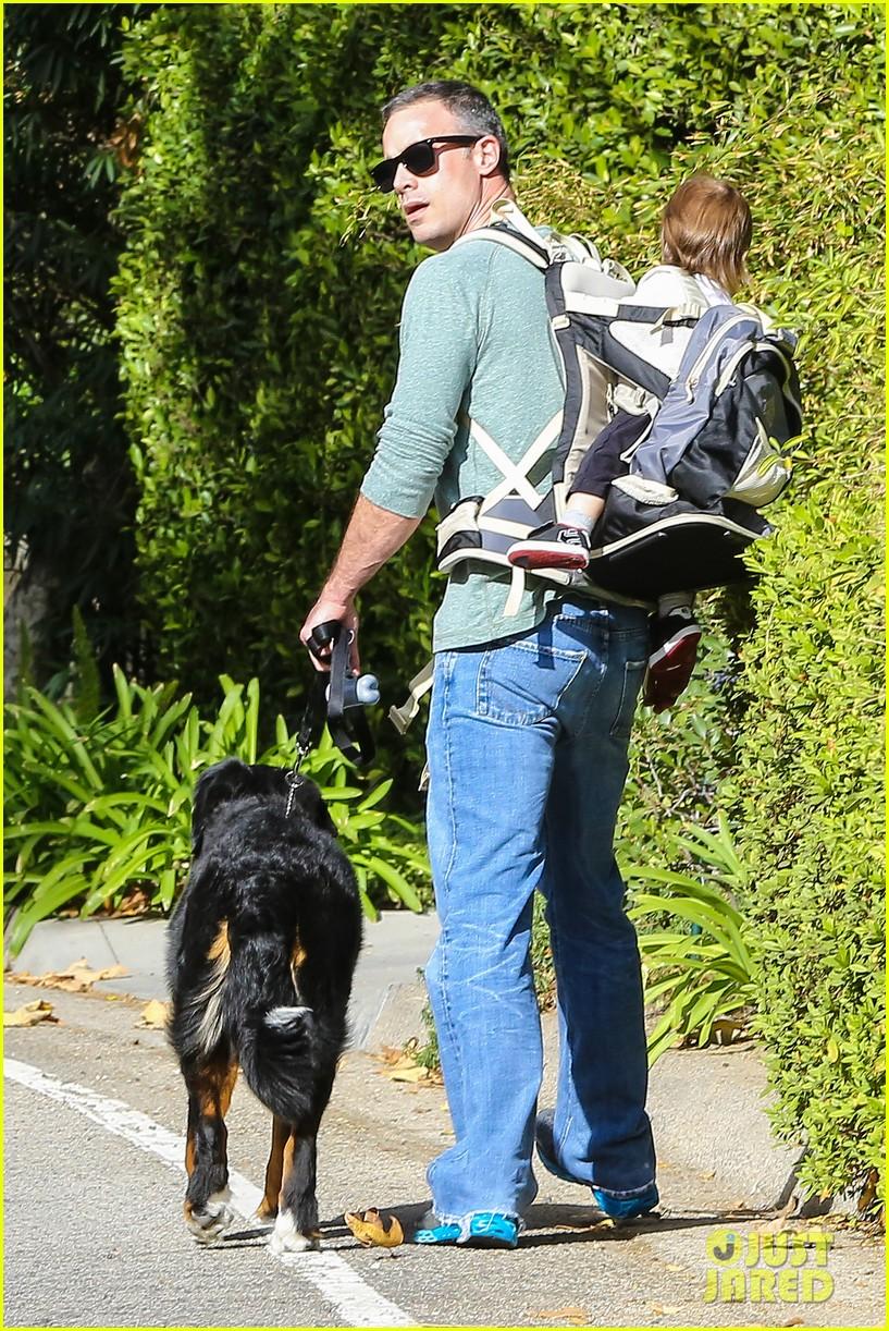 freddie prinze jr walks the dog with son rocky 043012855