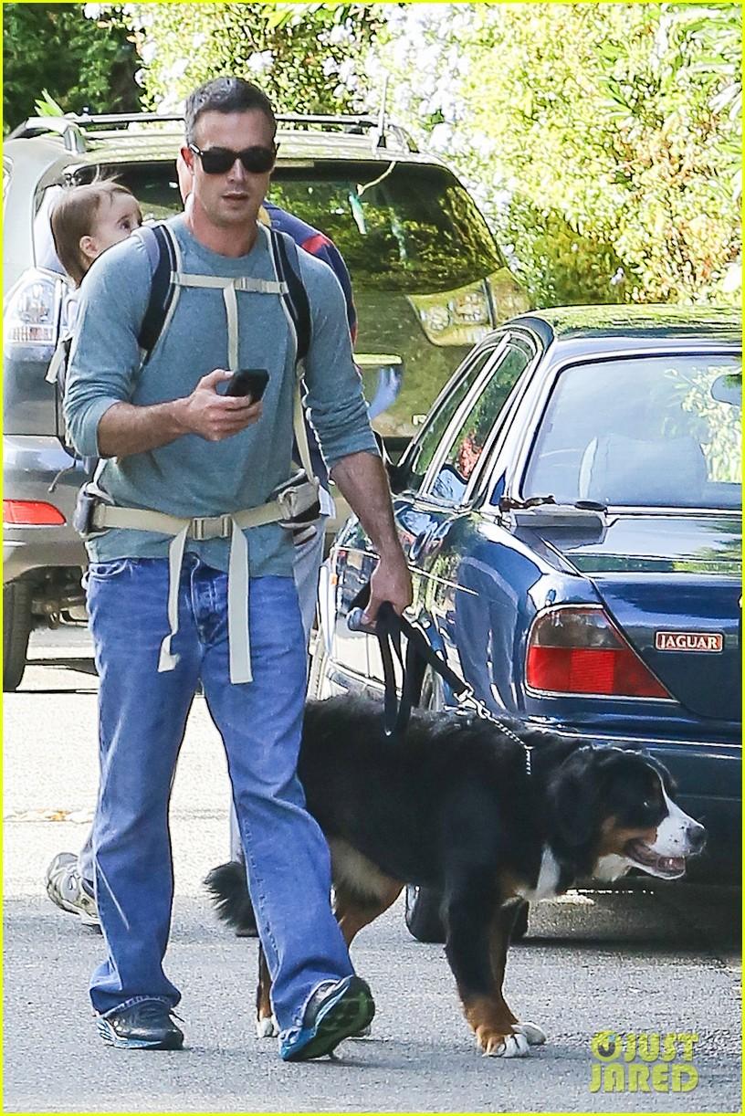 freddie prinze jr walks the dog with son rocky 113012862