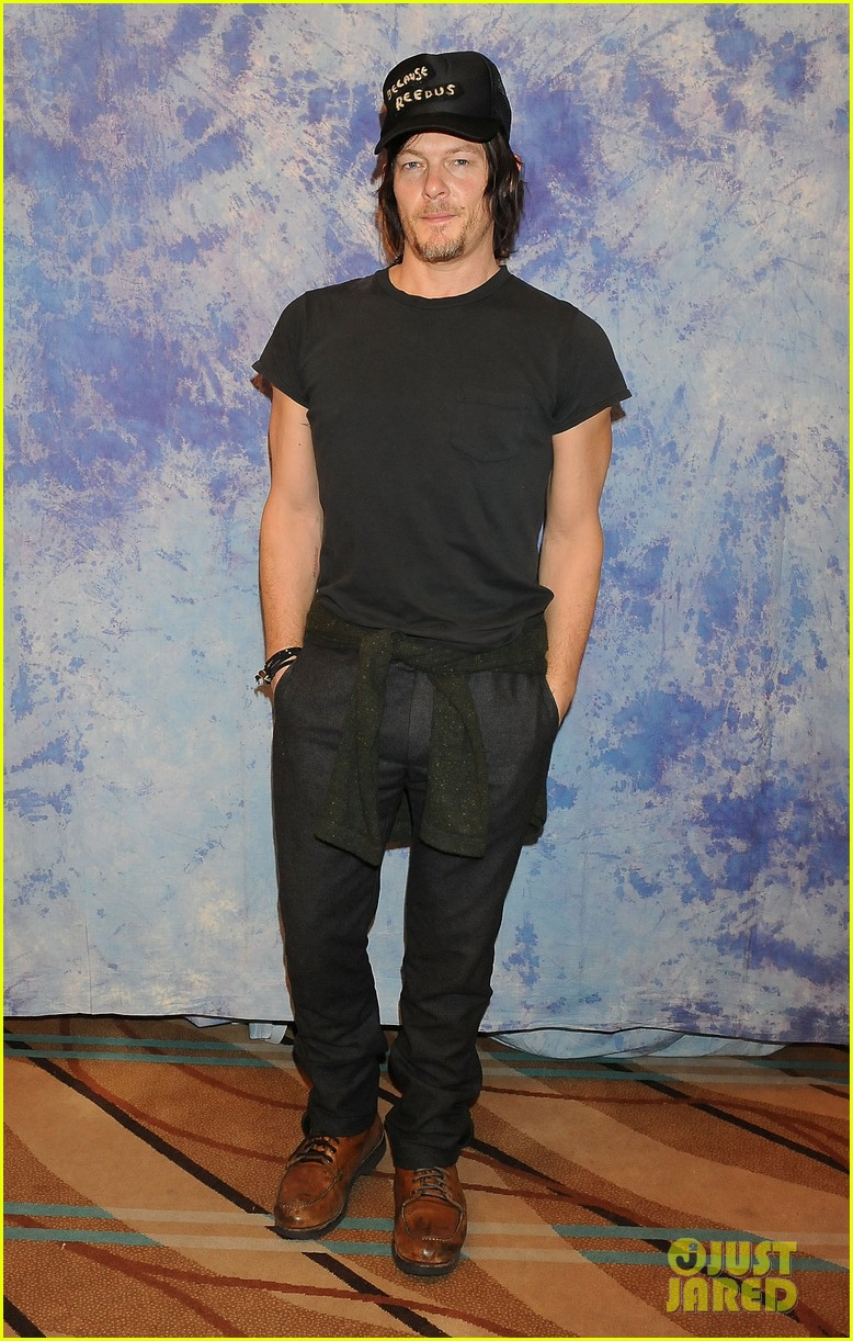 norman reedus hollywood collectors convention 013016611